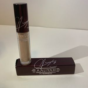 Mac Aaliyah Lipglass- Color Brooklyn Born BNIB!!!!